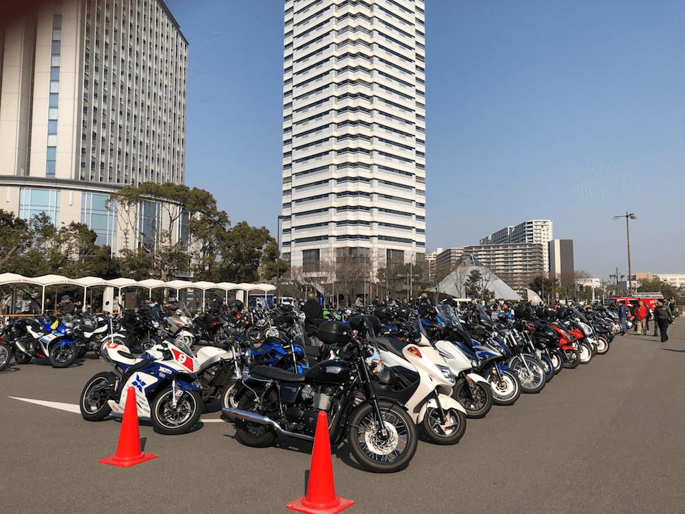 モーターサイクルショー駐車場