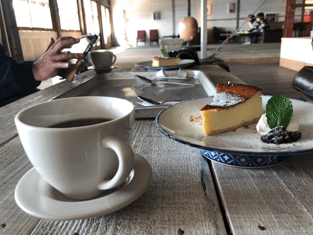 ラブラックカフェ_ケーキ