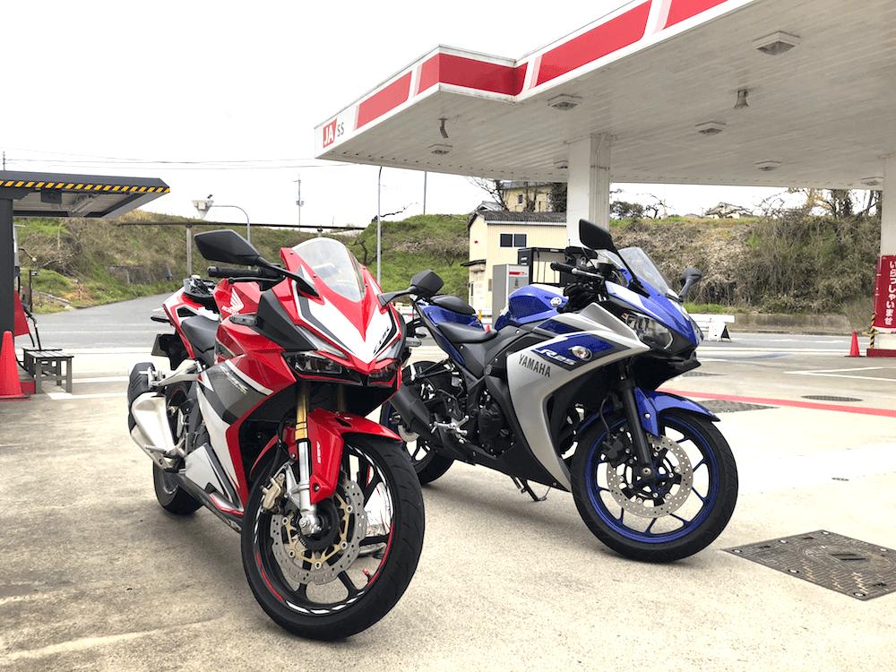 白浜ツーリングガソリンスタンドで給油