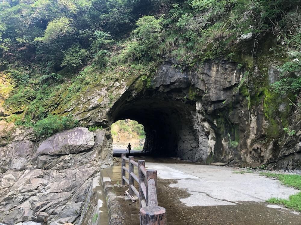 ツーリング 龍化隧道